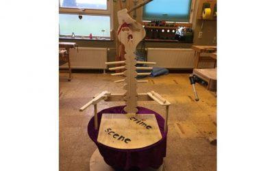 Højtlæsningsstol lavet i sløjd på Hiort Lorenzen-Skolen